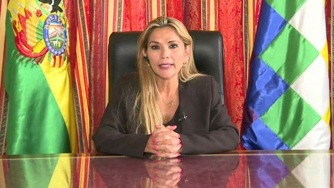 """""""Bolivia no es para los indios"""", la nueva presidenta de Bolivia"""