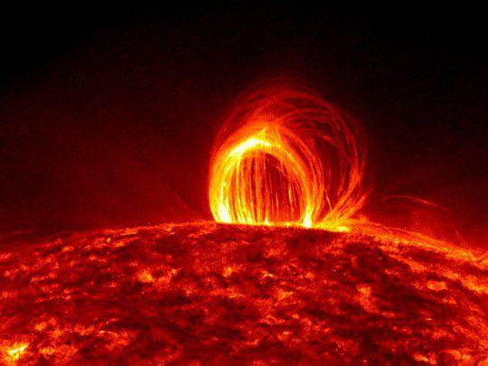 Se invierte el campo magnético del sol: cómo afectarán las tormentas solares a celulares, aviones y redes eléctricas.